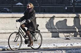 Ladies: we help turn up the heat in Winter. You're welcome. (photo courtesy of copenhagenize.com)